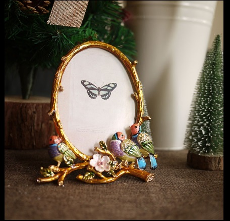 6 Inch Metal Carved Diamond Coloured Bird Oval Photo Frame Desktop Decoration Family Picture Show Home