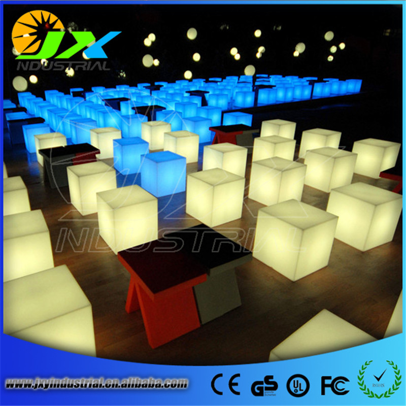 ФОТО Wireless Outdoor LED Plastic Cube Chair for bar as furniture