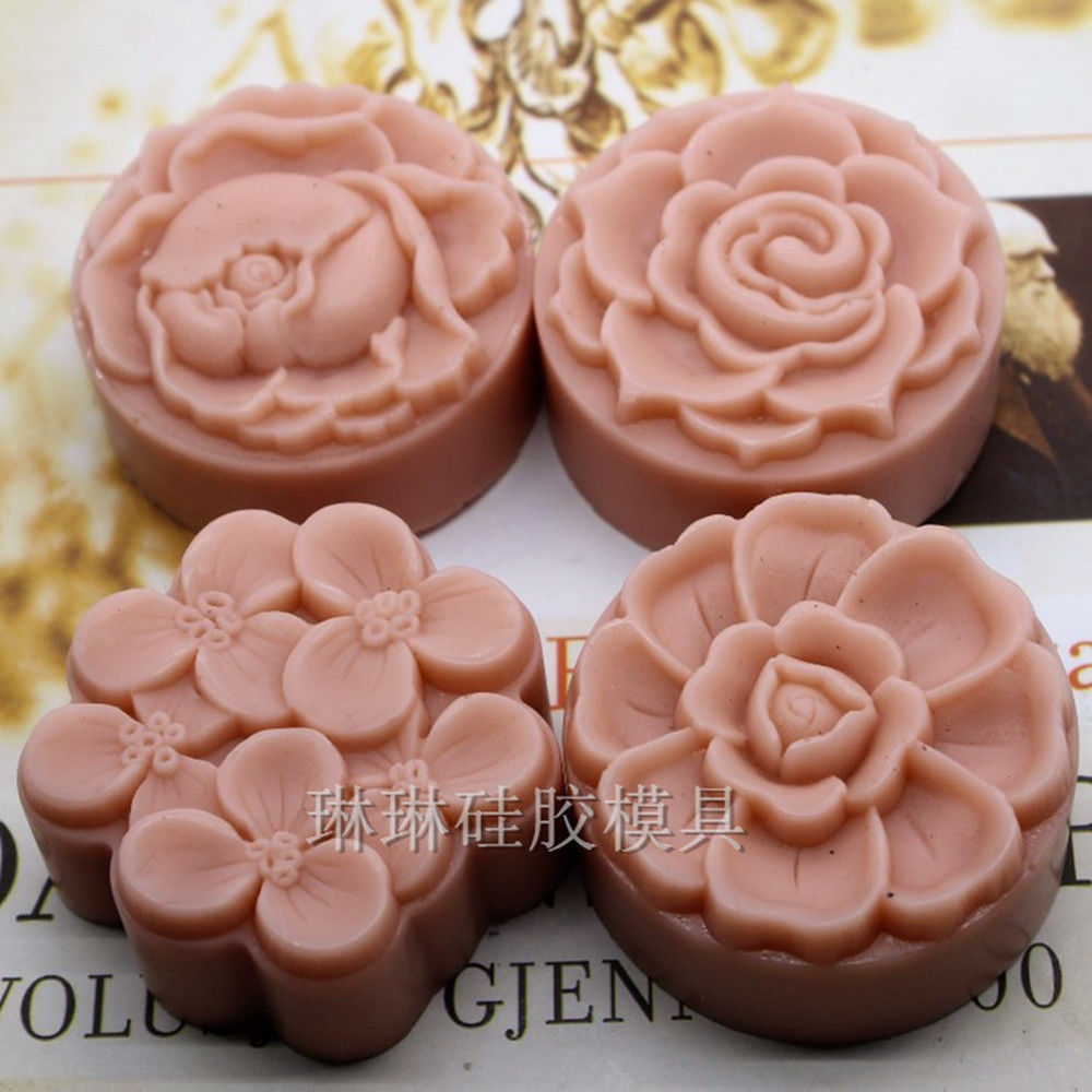 Grainrain Flower Mold Round Shaped Silicone Soap Mold 4 Cavities Handcrafted Mooncake Mold