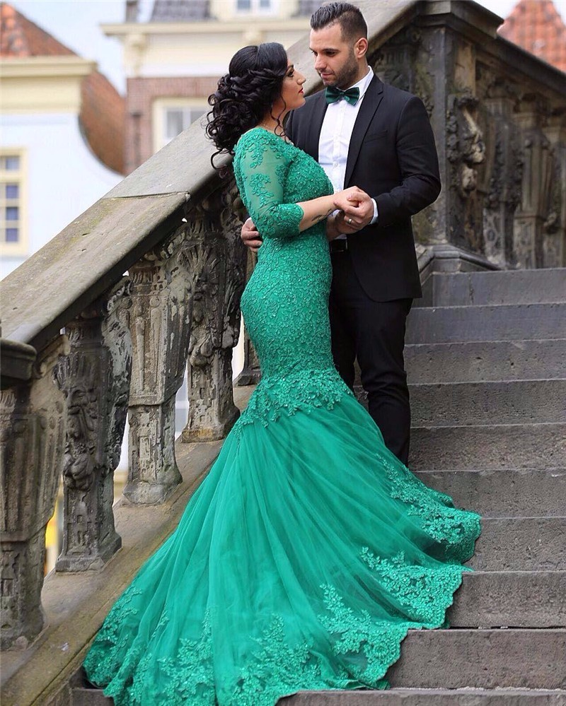 Green Appliques Lace Mermaid   Evening     Dresses   Sexy V-Neck Backless Formal Prom Party Gowns Elegant Long Sleeve   Evening     Dress   2019