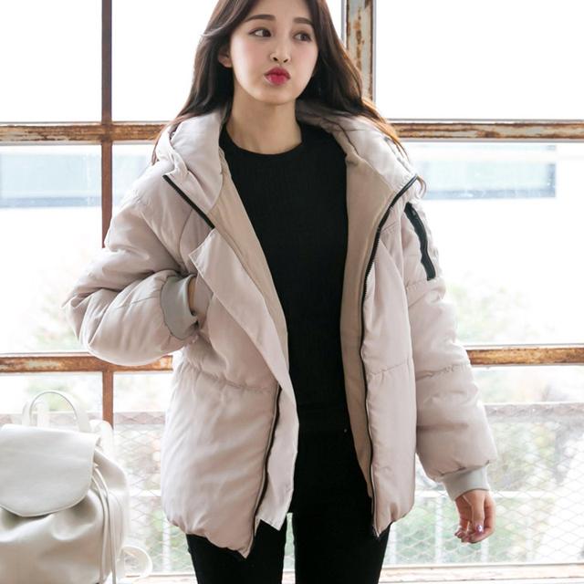 Mulheres jaqueta de inverno 2017 Estilo Preppy algodão-acolchoado Com Capuz parka casaco feminino amassado outerwear jaqueta de inverno casaco mulheres