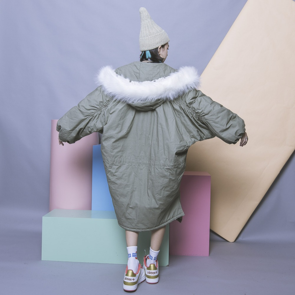 Vintage solid color oversize placketing asymmetrical pleated long sleeve with a hood fur collar wadded jacket