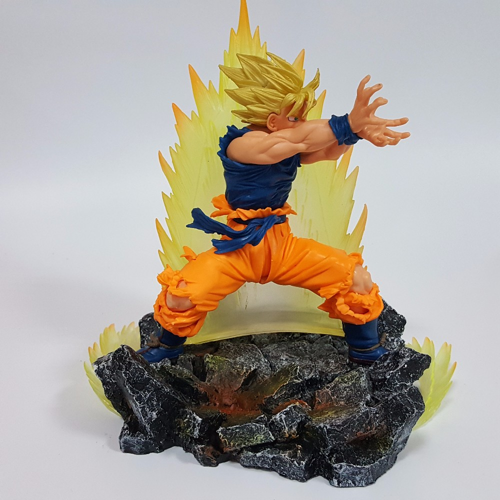 dragon ball z action figure son goku with energy aura rock base figure dragonball z goku. Black Bedroom Furniture Sets. Home Design Ideas