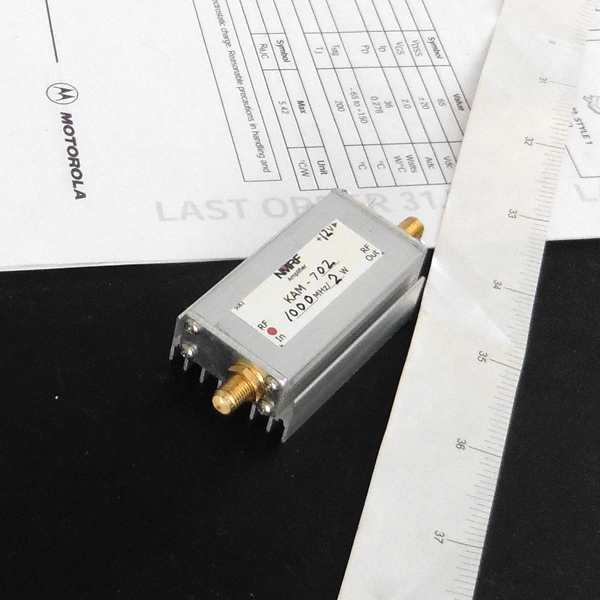 800 to 1000MHz power amplifier, UHF broadband RF power amplifier 2W800 to 1000MHz power amplifier, UHF broadband RF power amplifier 2W