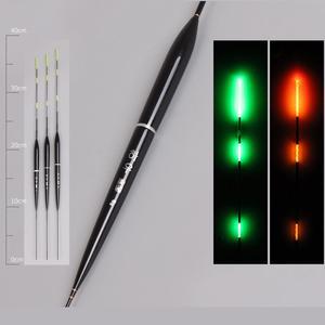 Image 4 - 1/3 pz/set Smart Galleggiante Da Pesca LED Galleggiante Luce Elettrica Attrezzatura da pesca Luminoso Elettronico Galleggiante Accessori Per la Pesca Con La Batteria