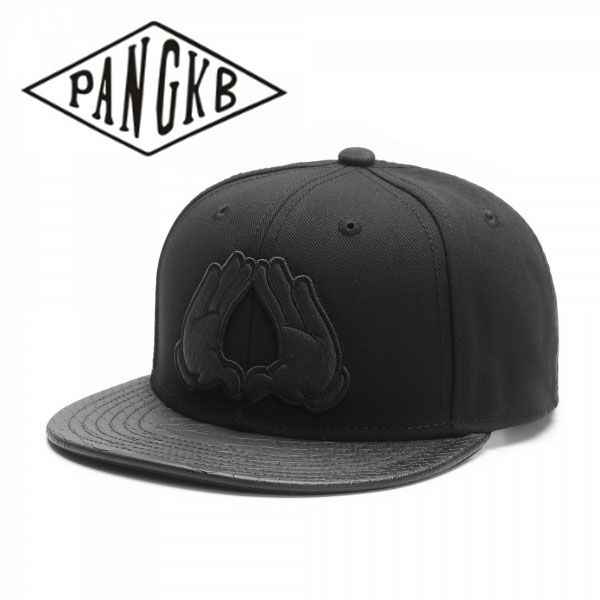 PANGKB di Marca CAP BROOKLYN Bianco o Nero in pelle tesa boy hip hop del cappello di snapback uomini donne di età outdoor sole casuale berretto da baseball