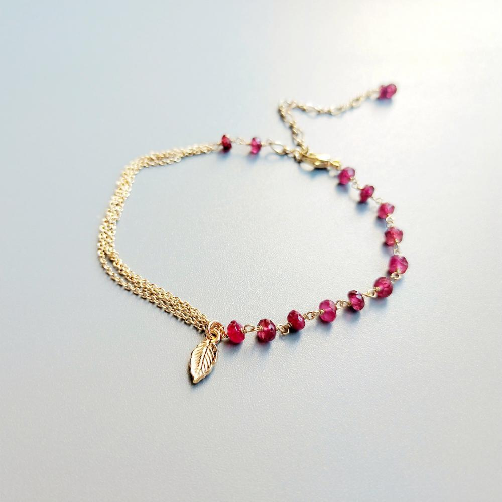 Lii Ji véritable rouge Rubys Bracelet 925 argent Sterling couleur or feuille avec lien de chaîne en or Bracelet délicat pour les femmes