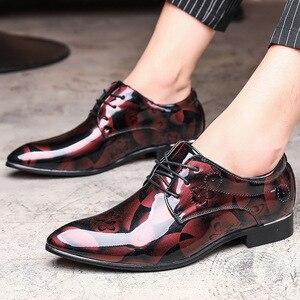 Image 5 - REETENE Floral Pattern Men Dress Shoes Men Formal Shoes Leather Fashion Groom Wedding Men Shoes Oxford Shoes For Men Zapatos De
