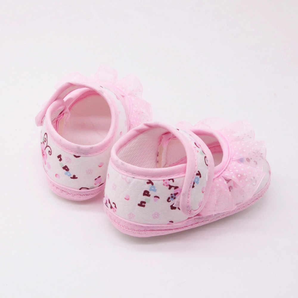 Zapatos de bebé niñas primeros caminantes recién nacido bebé niñas zapatos suaves Soled encaje Floral impreso calzado cuna zapatos para niños 2018 nuevo