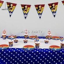 Feestartikelen 62 stks voor 12 kinderen Wonder Vrouw thema verjaardagsfeestje decoratie servies, plaat + cup + stro + banner + wrapper