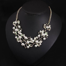 Elegant Pearls Women Necklaces