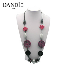 Dandie New Trendy Necklace For Women Of Shell, Wooden Flowers And Acrylic Bead
