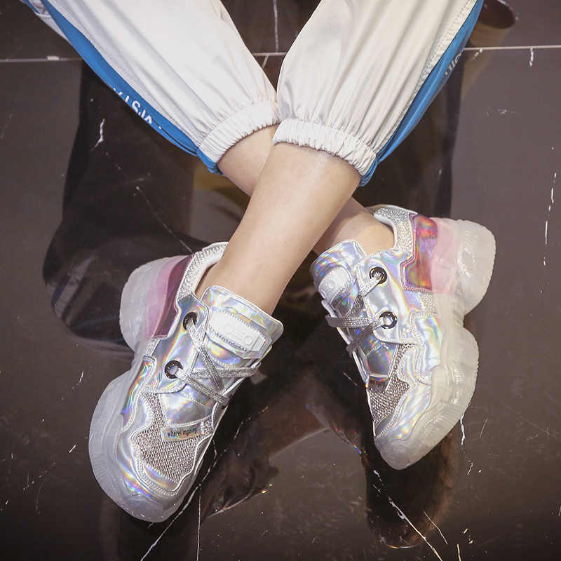 レーザー明るいお父さんの靴女性のメッシュ通気性 2019 夏新ネット赤スーパー火災ファッションスニーカー靴女性