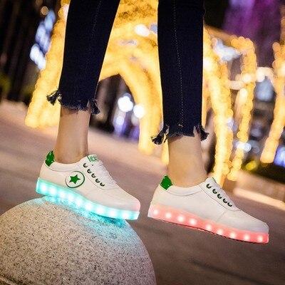 Chaussures Lumineuses Colorées D'été Mâle Usb Chargeant Les Chaussures Lumineuses D'étudiant Fluorescentes De Chaussures De Danse De Fantôme De Flash De Led
