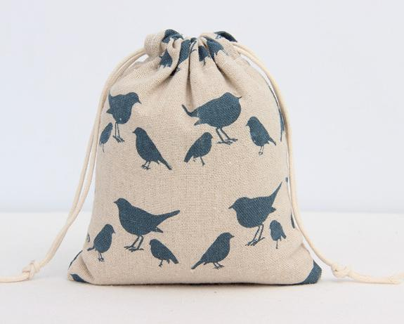 Happy Bird Printed Linen Drawstring Bag 9x12cm 10x15cm 13x17cm Pack Of 50 Jewelry Gift Pouches Wedding Birthday Party Candy Sack