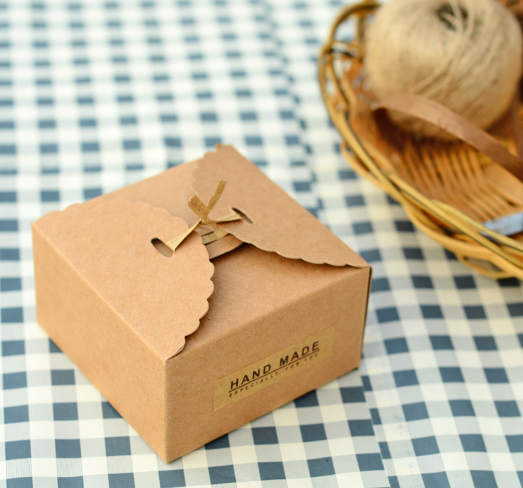 50Pcs Lot Simple Style Mini Kraft Paper Boxes Candy Chocolate Dessert Food Packaging Box Wedding Favor Gift Party Supplies In Bags Wrapping