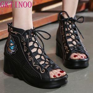 Original estilo étnico bordado sapatos de couro de vaca sandálias femininas 2020 verão novo respirável oco sandálias femininas cunha sapatos