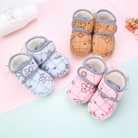 Hot Baby Toddler Shoes New Winter Baby Girl Cute Cartoon Anti-slip Soft Sole Crib Shoes First Walkers Plus Velvet Baby Shoes W Lahore