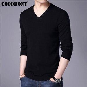 Image 2 - COODRONY Mens סוודרים קשמיר כותנה סוודר גברים טהור צבע סריגי למשוך Homme קלאסי מזדמן V צוואר צמר סוודר גברים 91009