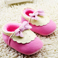 2016 nuevo estilo de los bebés de rosa de flores arco mocasines bebé algodón niñas zapatos de bebé encantadores primeros caminante de prewalker niños pequeños zapatos