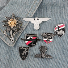 Perang Dunia II WW2 Bahasa Jerman Militer Cross Eagle Pin Cap Cock-Up Kerah Pin Tentara Elit Edelweiss Pasukan Kerajaan Bunga Luftwaffe Pin Lencana(China)
