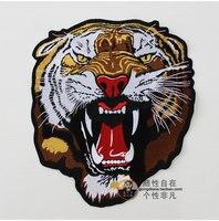 Il roaring caso tel. tiger ricamo del panno accessori boutique gilet in pelle moto rider personalità grande indietro etichetta super bello