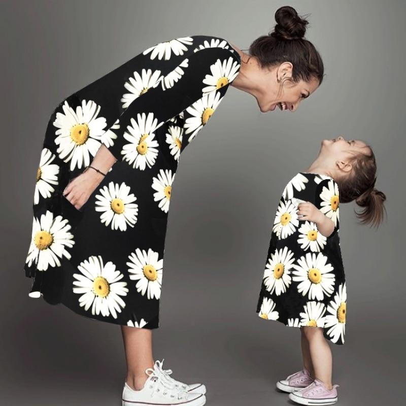 Mother & Child Dress Autumn Long Sleeve Chrysanthemum Printed Dress Matching FamilyMother & Child Dress Autumn Long Sleeve Chrysanthemum Printed Dress Matching Family