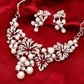 2016 Nueva Joyería de la Manera Collar de la Declaración Pendiente de Perlas de Imitación Set Para Mujeres Flor Joyería de La Boda establece