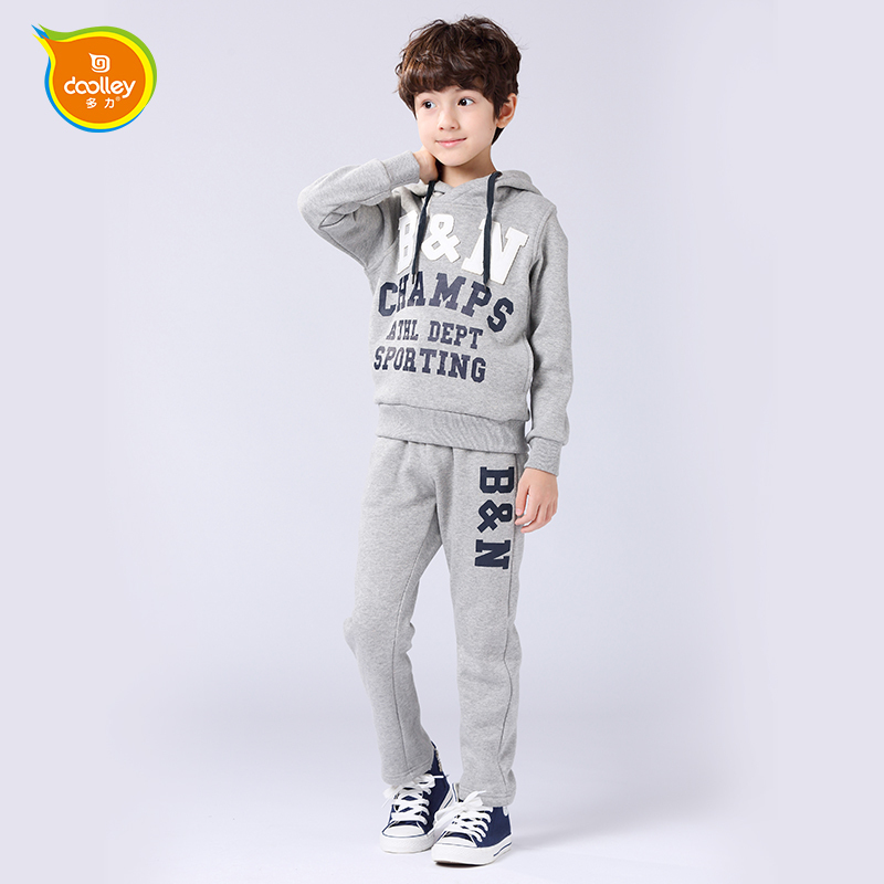 ФОТО DOOLLEY Boy Active Clothing Sets Hoodies + Pants Suits 2017 New Arrival Children Autumn Winter Clothing Size 130-140 cm