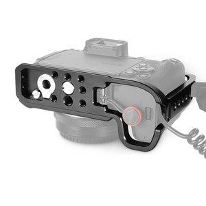 Image 5 - Smallrig dslr câmera gaiola para canon eos rp característica com 1/4 3/8 furos de rosca para braço mágico microfone acessório ccc2332