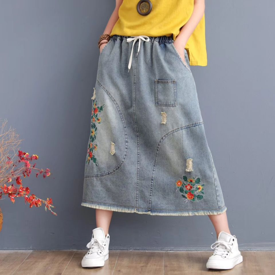 Women Jeans Skirt Girk Long Skirt Summer Art Embroidery Hole Burrs Restoring Ancient Ways Draw String Elastic Waist Ladies 926