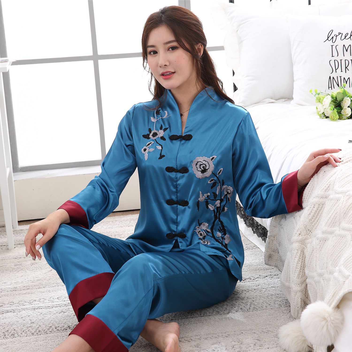 2PCS Chinese Style Women Embroidery Flower Pajamas Set Hot Sale Satin Pyjamas Suit Novelty Button Sleepwear M L XL XXL 3XL