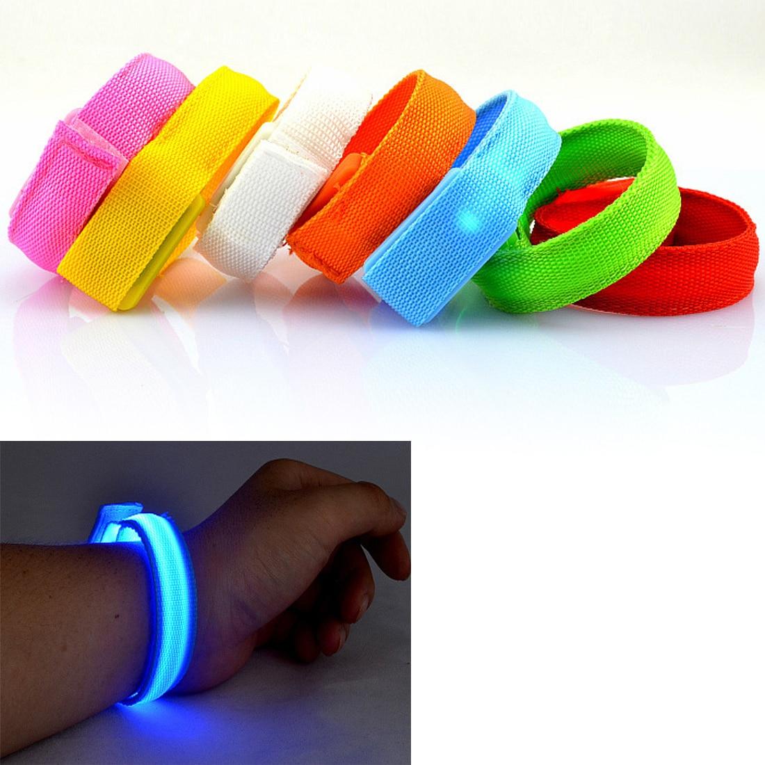 Красивый светодиодный мигающий браслет на запястье, светильник, светящийся на открытом воздухе в темноте, Танцевальная вечеринка, спорт, много цветов