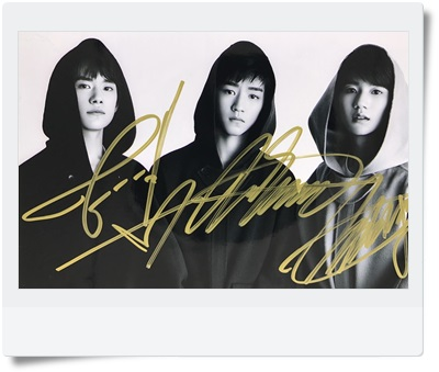 signed TFBOYS autographed group photo  6 inches  freeshipping 3  versions 082017 A signed tfboys autographed group photo 6 inches freeshipping 08201703