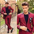 Vino Rojo Alcanzó Solapa Hombres Últimas Bragas de la Capa Diseños Por Encargo Esmoquin Homme Fashion Slim Fit Terno Nuevo (chaqueta + Pantalones)