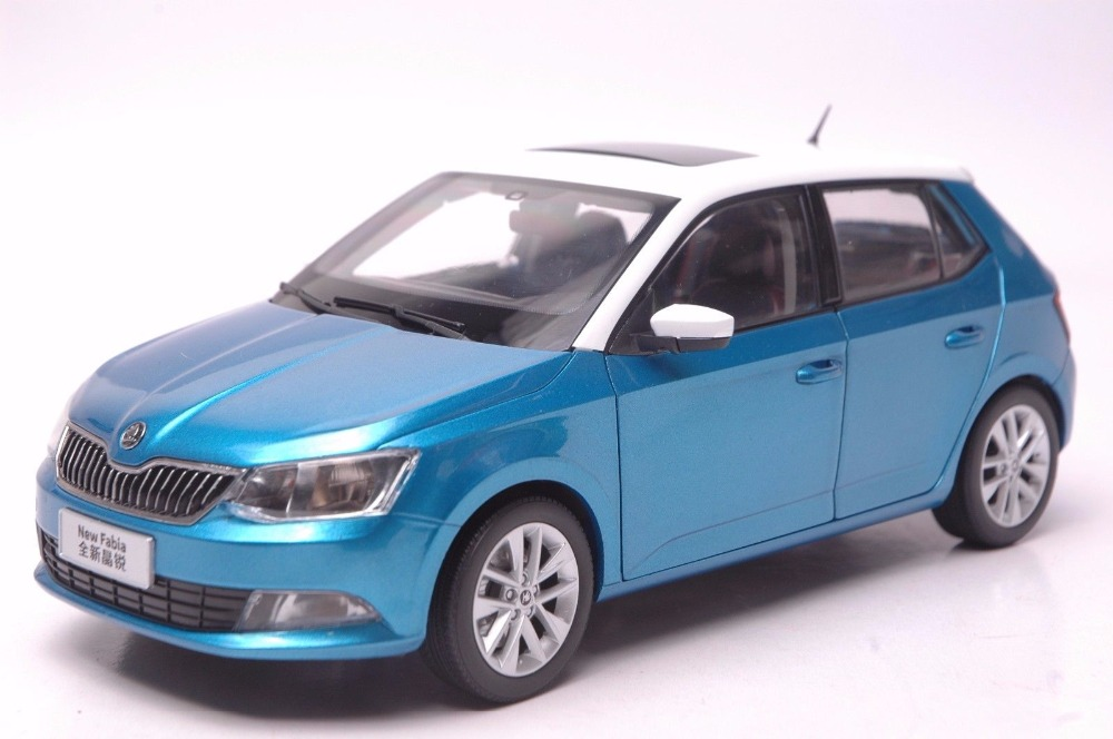 1:18 Diecast Model for Skoda Fabia 2015 Blue SUV Alloy Toy Car Miniature Collection Gifts 1 18 diecast model for skoda yeti blue suv alloy toy car miniature collection gifts