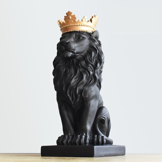 Royal Crown Lion Sculpture Resin Lion King Statue Home Animal Mascot