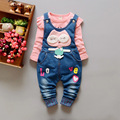 Conjunto de Roupas Meninas do bebê Imagens Dos Desenhos Animados Macacão Jeans + T-shirt de Manga comprida Moda Bebê Boys & girls Roupas Bebê Recém-nascido roupas