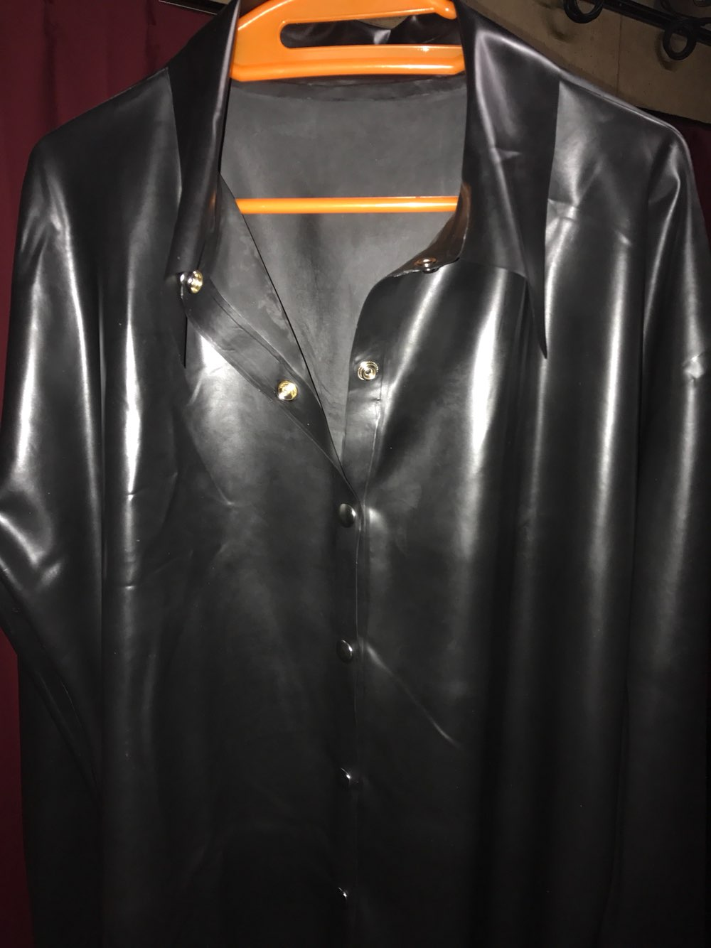 sexy-black-mens-latex-shirt-rubber-suit