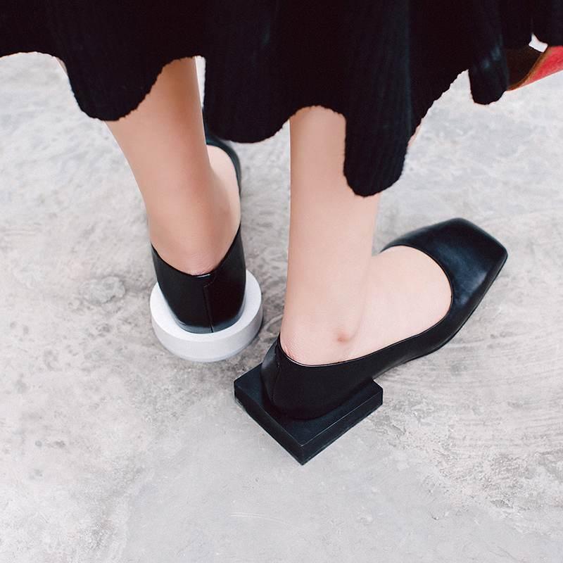 2019 Krazing zdobądź nowy mody plus rozmiar kwadratowy nosek grube niskie obcasy poślizgu na stałe w stylu preppy kobiet dziwne obcasy sandały L32 w Buty damskie na słupku od Buty na  Grupa 3