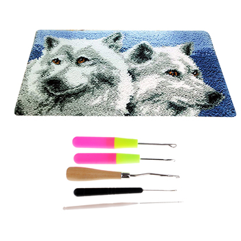 Wolf Pattern Carpet Latch Hook Kits with 5pcs Latch Hook Tools for Beginners Adults DIY Gifts