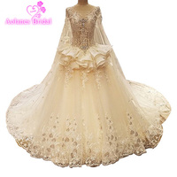 2017 New Model Luxury Crystal Lace Appliques Beaded Scoop Neck Wedding Dresses Real Photos Long Train