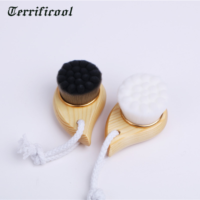 Terrificool 1PC Bamboo Charcoal Fiber Face Brushes Soft Facial Cleanser Facial Skin Care Tools Pore Cleaner Brush Bamboo Handle
