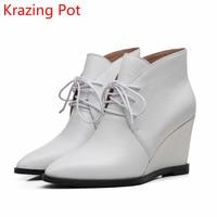 2018 Recién Llegado de Cuero Genuino Aumento de zapatos Dedo Del Pie Acentuado Botas de Invierno Pista caliente Con Cordones Cuñas Botines de Moda para Mujer L97