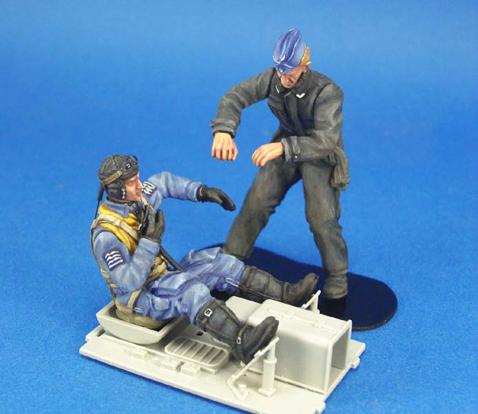 pre order-Resin toys  L2403 1/24 WWII Luftwaffe BF-109 Pilot & Mechanic setBong Free shipping mystery msf 2403