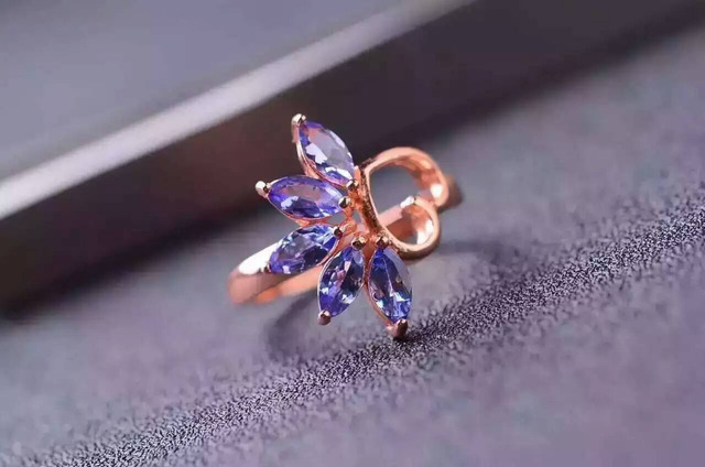 Natural blue tanzanite Ring Natural gemstone ring 925 sterling silver trendy elegant heart Flowers women party fine Jewelry