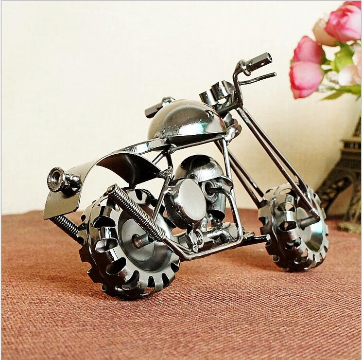 New Home Decoration Iron Metal Handcraft Motorcycle Model Ornaments Retro Motorbike Model Home Office Bar Decor Crafts in Figurines Miniatures from Home Garden