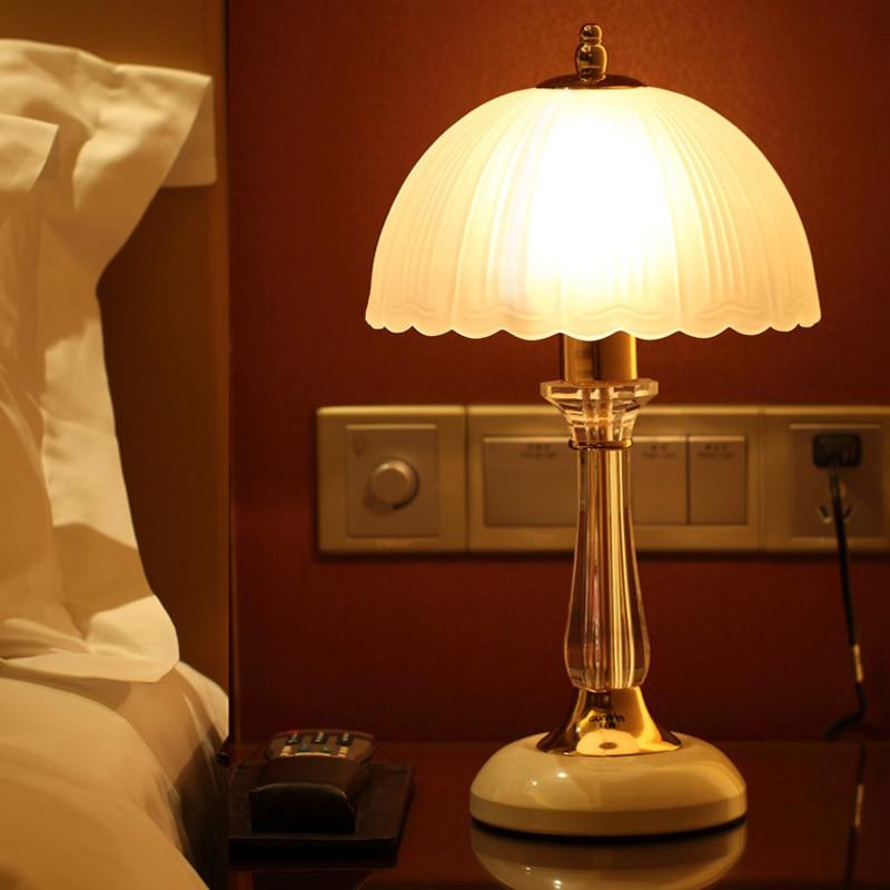 Современный Crystal White Утюг Ностальгический Настольные лампы творческий Спальня ночники кабинет Гостиная Стекло настольные лампы