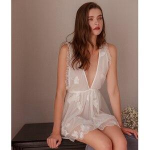 Image 2 - Munllure สุภาพสตรีลึก V nightdress ปักสีขาวมุมมอง lace Nightie ชุดชั้นในสตรีเซ็กซี่ Bra Linger