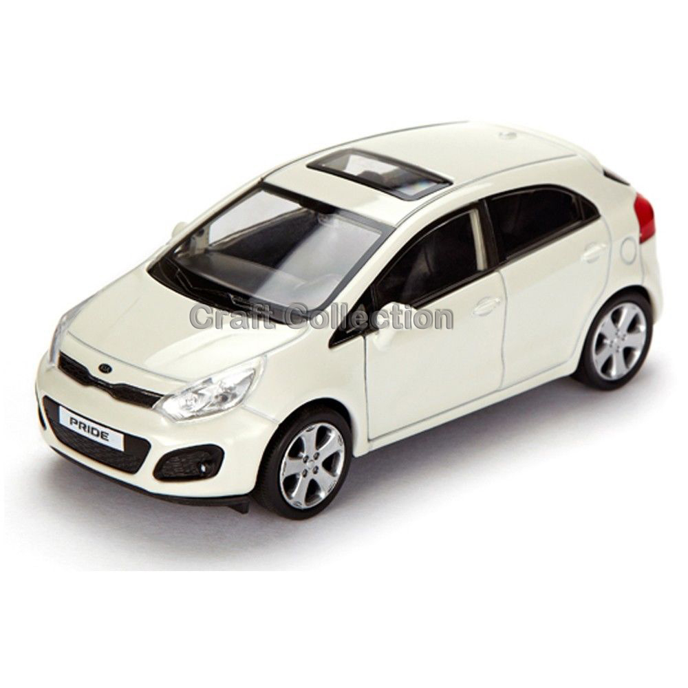 White 1/38 Kia Pride Rio Diecast Metal Mini Car Scale Model Toy 3 Colors Available Building Vehicle Classic Toys Miniature Craft - Collection store